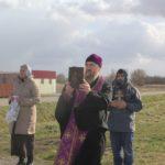 В Нестерове священник совершил объезд города с молитвой