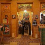Епископ Николай возглавил божественную литургию в храме Серафима Вырицкого