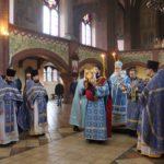 В праздник Введения во храм Пресвятой Богородицы епископ Николай совершил Божественную литургию